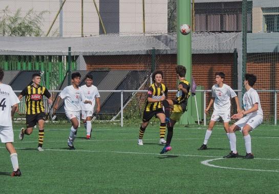 Ilusionante el debú del Cadete Gallega en el Federativo de Coia ante el siempre complicado Colegio Hogar... los de Víctor ganaron por un claro 5-0, con goles de Guille (3), Fer (1) y Pablo (1)